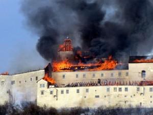 Dočasné zastrešenie hradu Krásna Hôrka fóliami od firmy Dörken